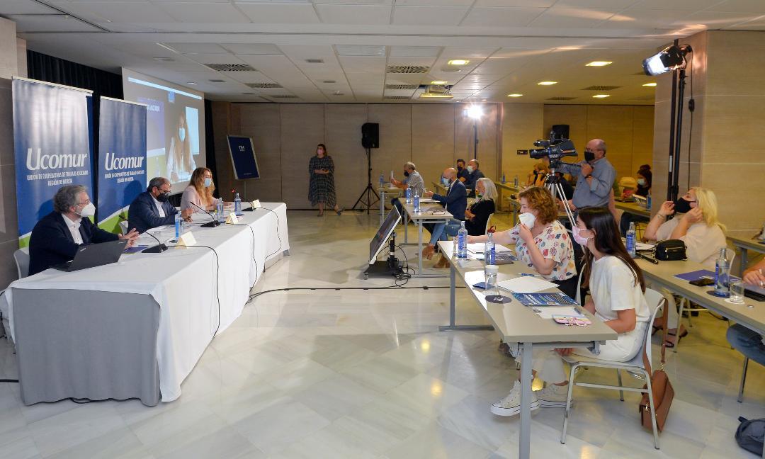 Ucomur aborda la transformación digital y la ciberseguridad en una jornada encabezada por Juan Antonio Gómez Bule