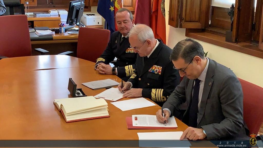 El Almirante Jefe de Estado Mayor de la Armada, Teodoro López Calderón ratifica el convenio de la Cátedra de Historia y Patrimonio Naval con la Universidad de Murcia