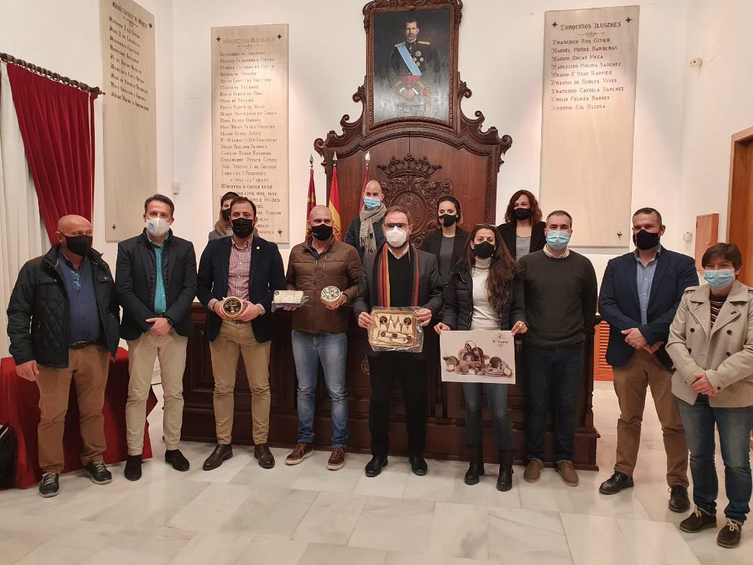 """La quesería artesana """"El Roano"""" recibe la felicitación del Ayuntamiento de Lorca tras recibir dos nuevos reconocimientos en un importante certamen francés"""