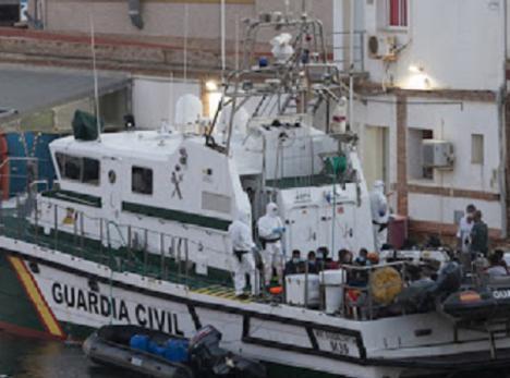 Diez embarcaciones interceptadas y 108 inmigrantes irregulares rescatados durante el fin de semana frente a la costa de Cartagena