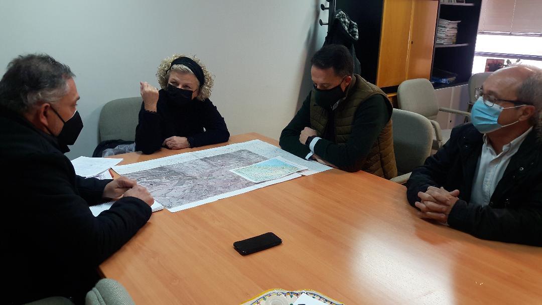 Fulgencio Gil reclama el apoyo del Ayuntamiento de Lorca para rechazar la línea de Alta Tensión de 40 kms con la que Iberdrola prevé atravesar la Sierra de Almenara