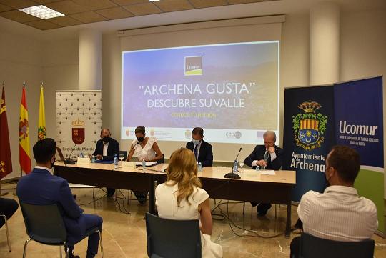 """Ucomur firma un convenio de colaboración con Archena y Turismo para dar vida al proyecto """"Archena Gusta"""""""