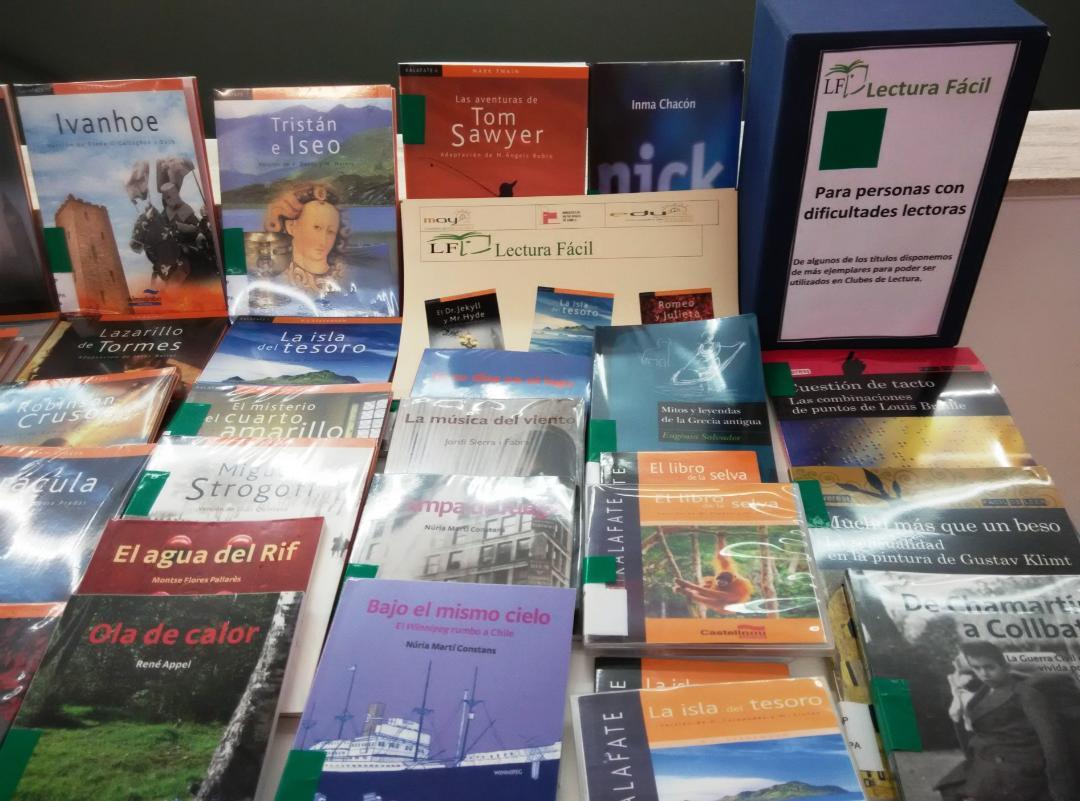 La Red Municipal de Bibliotecas de Lorca amplía su fondo de ejemplares de Lectura Fácil y Audiolibros