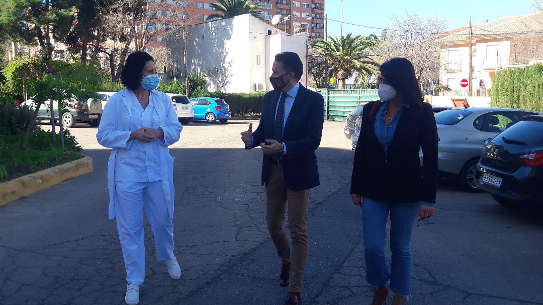 """Fulgencio Gil: """"los trabajadores de las residencias de personas mayores de Lorca constituyen un ejemplo de auténtica heroicidad en la lucha contra el Covid"""""""