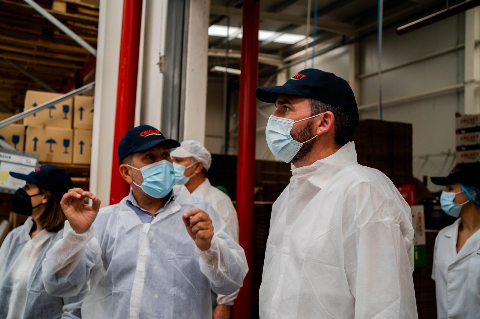 Campo de Lorca recibe la visita del Consejero de Agricultura para poner en valor su compromiso con el medio ambiente