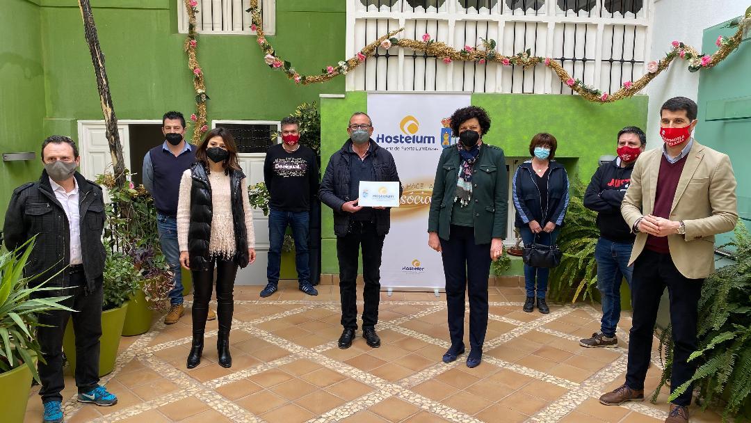 """Ayuntamiento y Hostelum ponen en marcha la iniciativa """"Entrevistas con sabor lumbrerense"""" para fomentar el consumo en la hostelería del municipio"""