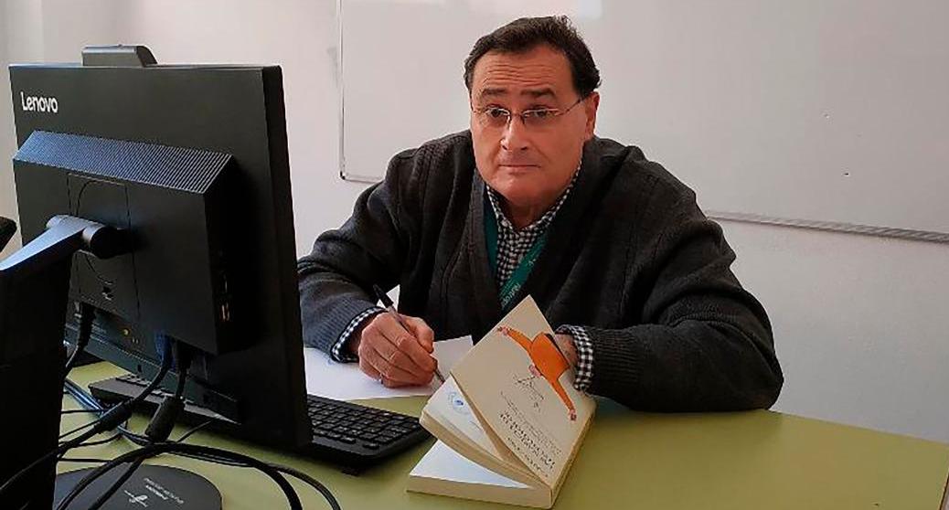 """Manuel García-Aldeguer:""""Para un periodista el mundo entero es su reportaje y él su reportero. Todo es narrable. Todo es noticia. El periodista transforma el suceso y la aventura en pasión por darlo a conocer y esa pasión delata lo que es"""""""
