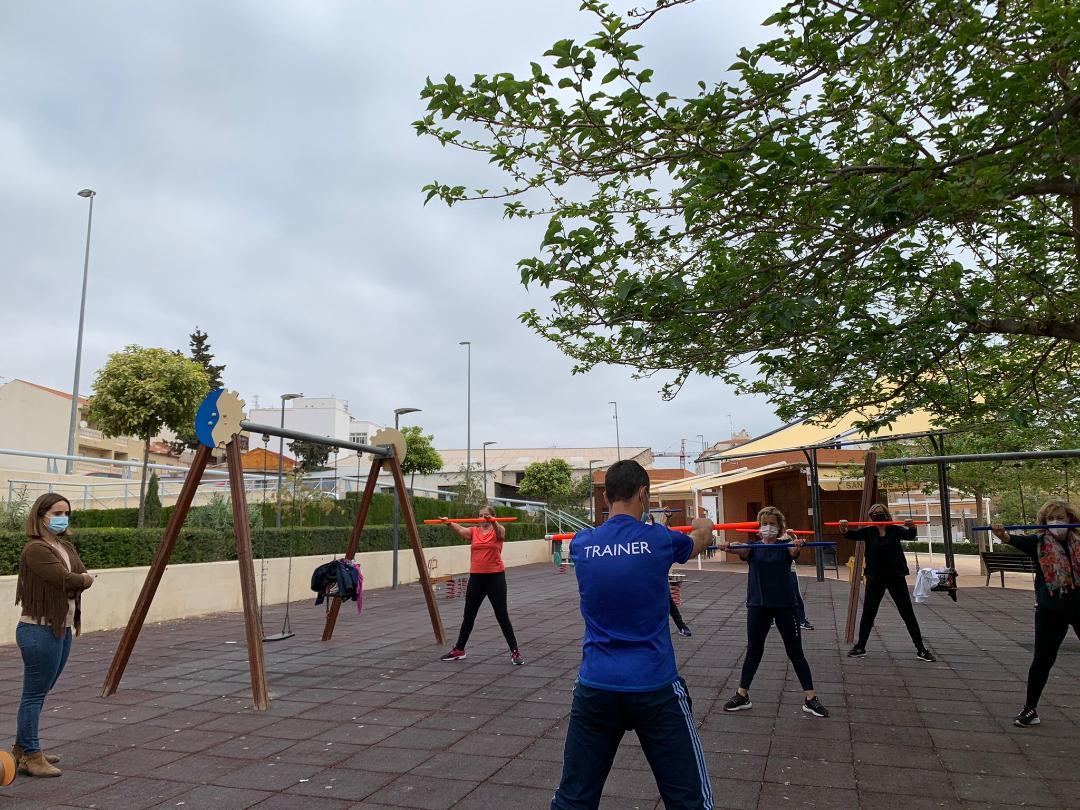 La Concejalía de Deportes de Lorca retoma el programa de Gimnasia de Mantenimiento, esta vez al aire libre para cumplir con todas las medidas sanitarias