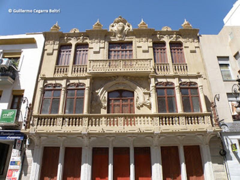 EL INCOLORO: 'Urge recuperar el edificio de la Cámara Agraria de Lorca', por Jerónimo Martínez