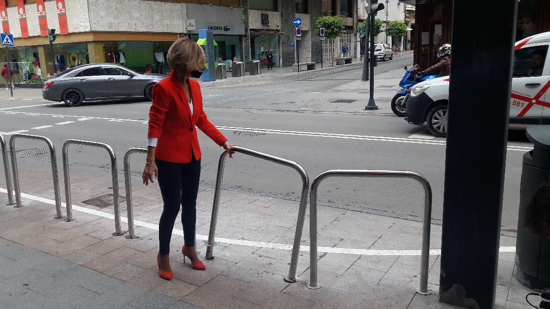 """PP:El ´carril chapuza' forzado por el PSOE sobre la acera de Juan Carlos I ya ha provocado varios accidentes y la petición vecinal para su supresión inmediata"""""""