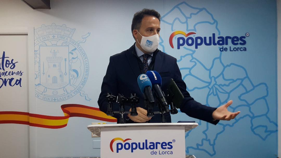 Fulgencio Gil rechaza la decisión unilateral del alcalde del PSOE de ubicar una mezquita a tres metros de la puerta de un colegio en el barrio de San Cristóbal