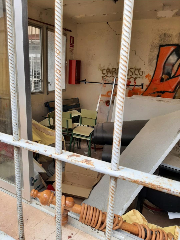 """Somos Región Lorca: """"Iremos denunciando el lamentable estado de conservación y mantenimiento del antiguo colegio y sus aledaños de La Hoya"""""""