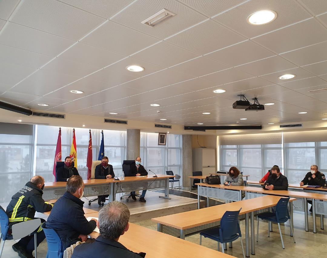 El Alcalde de Lorca, Diego José Mateos, ha presidido el Comité de Seguimiento Municipal del COVID con el objetivo de seguir manteniendo la máxima coordinación de los servicios municipales.