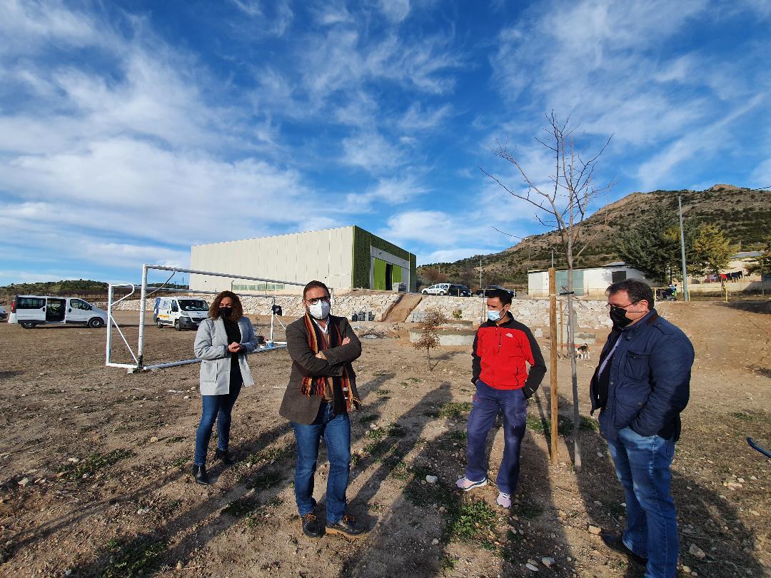 El Alcalde de Lorca supervisa los trabajos de creación del jardín botánico en Zarzadilla de Totana que se está llevando a cabo a través de los Consejos Comarcales de Empleo