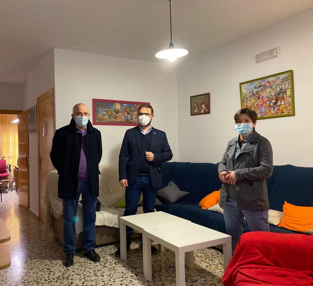 El Alcalde de Lorca visita el hogar funcional de Servicios Sociales donde se garantiza a los menores un ambiente familiar del que no disponen en su casa
