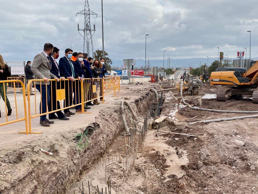 """Diego José Mateos: """"el buen ritmo de las obras del paso inferior de San Antonio permitirá acabar con los problemas de tráfico"""""""