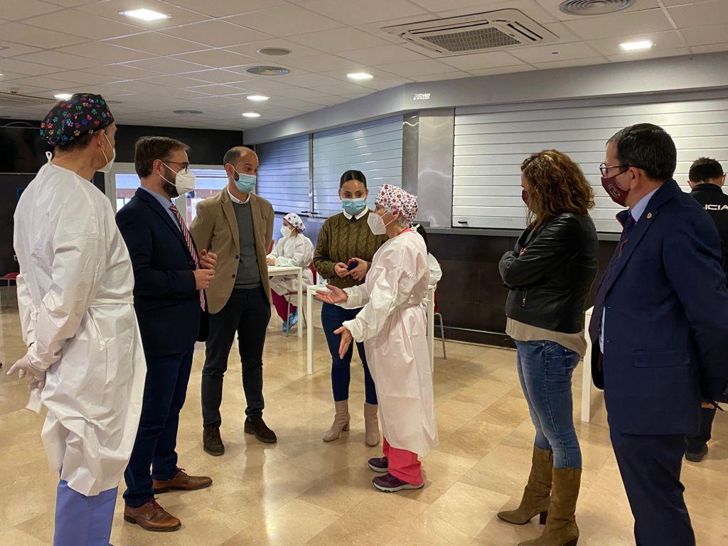 """El Ayuntamiento de Lorca habilitará el Complejo Deportivo """"Felipe VI"""" para una nueva jornada de vacunación masiva destinada a personal docente"""