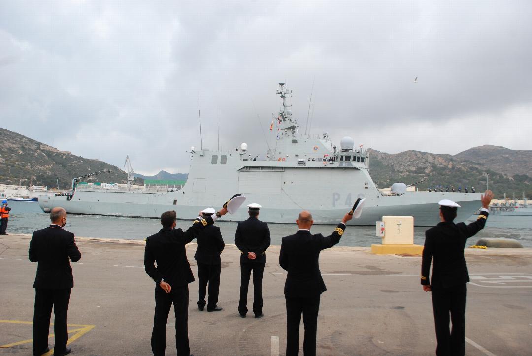 """El buque """"Furor"""" se despliega en la costa occidental de África y el golfo de Guinea"""