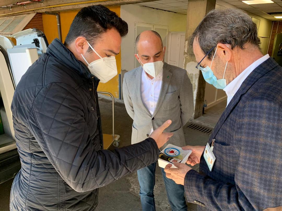 El SCRATS reconoce a los sanitarios del Hospital de Toledo por su gran labor ante la pandemia con 800 tarrinas de productos saludables
