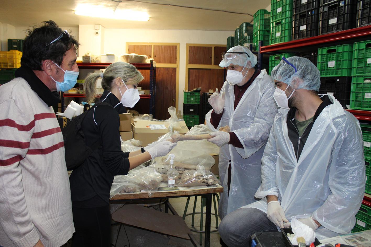Arqueólogos forenses de la Universidad Autónoma de Madrid analizan los restos hallados en Isla del Fraile y otras excavaciones arqueológicas