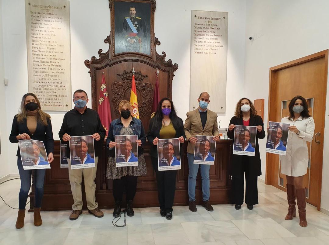 El Ayuntamiento de Lorca conmemora por primera vez el Día Internacional contra el Racismo y la Xenofobia con la lectura de un manifiesto para sensibilizar sobre la riqueza de la diversidad