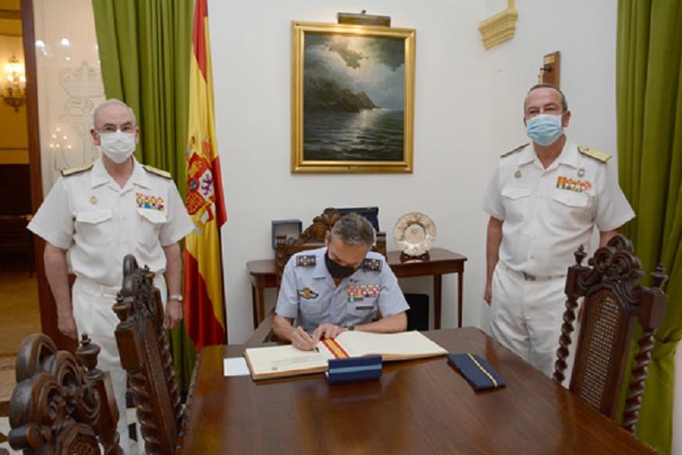 El Jefe del Estado Mayor de la Defensa visita en Cartagena el Cuartel General del Mando Operativo Marítimo