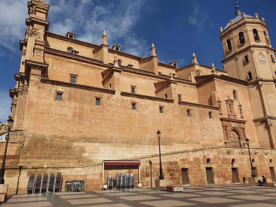 El cierre total de la hostelería y de la actividad no esencial a las 20 horas y el final de la campaña de Navidad dejan en Lorca 121 parados más en el mes de Enero