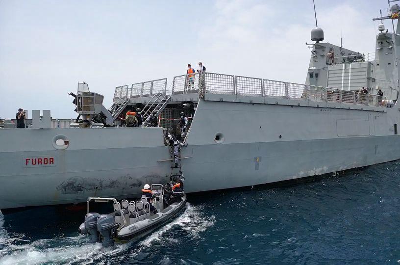 """El """"Furor"""" participa en las actividades de cooperación militar en el ejercicio """"Obangame Express 21"""""""