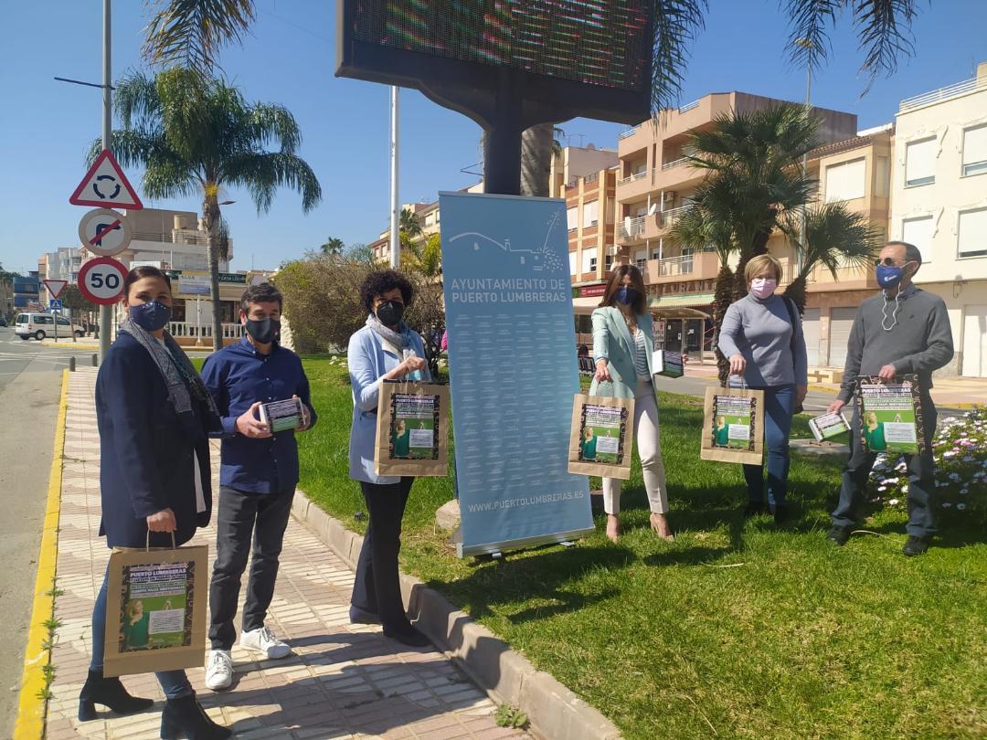 """La campaña """"Compra en Puerto Lumbreras y llévate un premio"""" sorteará 60 vales de 100 euros entre quienes hagan sus compras en el comercio local"""