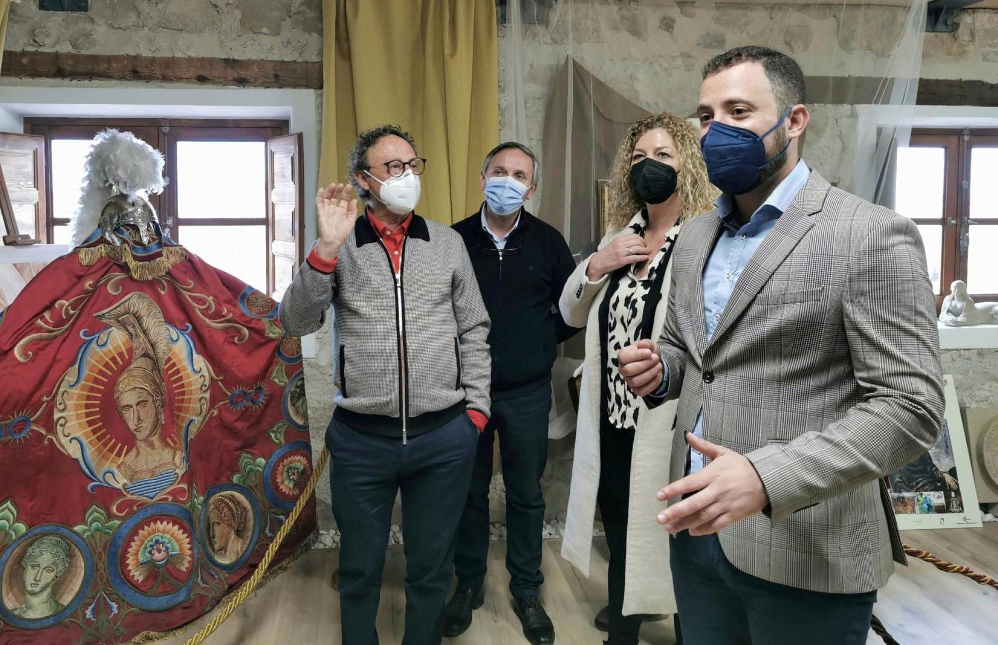 La Casa del Artesano acoge la exposición monográfica 'Vida y obra artística de Damián Teruel', en reconocimiento al trabajo de este polifacético artista lorquino