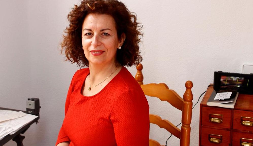 """Carmen Castelo: """"Siempre les digo a mis alumnos: vais a ser unos magníficos licenciados (antes), graduados (hoy), pero periodistas, pocos"""""""