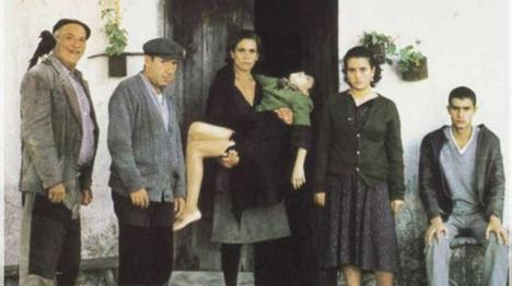 'La señora X, también apodada cucarra', por Augusto Perez