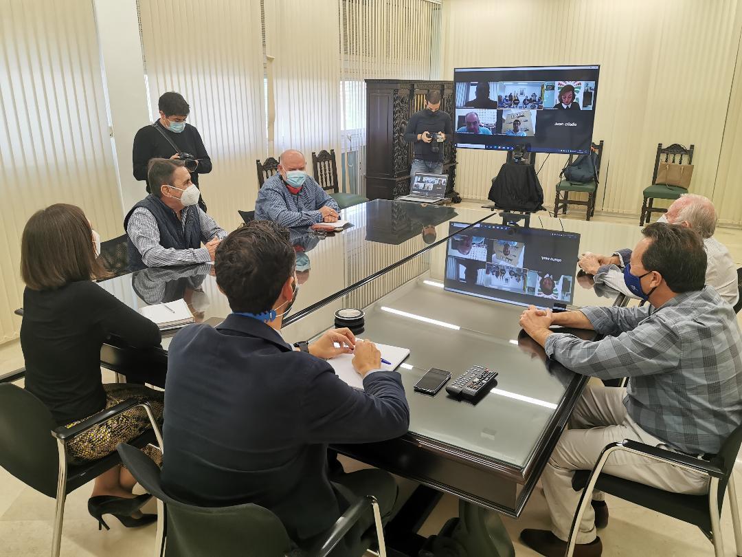 La Mesa del Agua apoya al Ayuntamiento de Almería en la ampliación de la producción de la desaladora de la capital