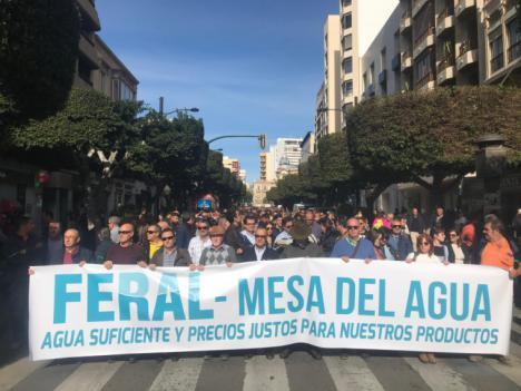 Los regantes de FERAL distribuyen 50.000.000 de metros cúbicos de agua desde el Estado de Alarma y 400 trabajadores han garantizado su suministro