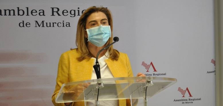 """Carmina Fernández: """"El contrato de la televisión pública se ha convertido en otro ejemplo más de la negligente gestión de López Miras, que gobierna para sus amigos"""""""