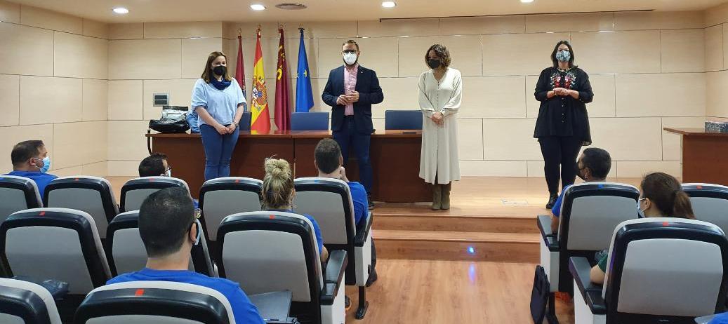 """Los trabajos de mejora en la Pasarela Alcalde """"Miguel Navarro"""" continúan gracias a la segunda fase del Programa de Empleo y Formación 'PASARELA II', subvencionado por el SEF"""