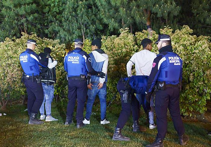 La reyerta entre los Dominican Don´t Play y los Trinitarios acabó con nueve detenidos y heridos por arma de fuego y arma blanca