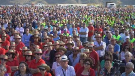 Miles de regantes exigen la reparación de la desaladora Almanzora por necesidad de agua