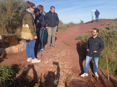 El Alcalde de Lorca, Diego José Mateos, visita la recién rehabilitada ruta senderista a 'El Cejo de los Enamorados'