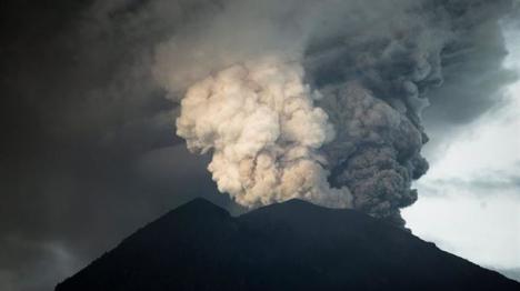 100.000 personas evacuadas en Bali.