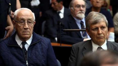 La justicia argentina condena a cadena perpetua a siete responsables de los vuelos de la muerte