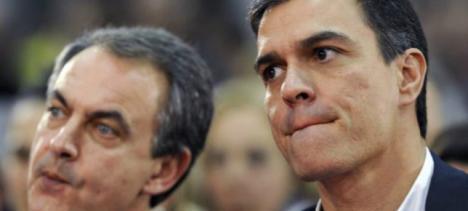 Los senadores socialistas acaban a gritos contra Pedro Sánchez por subirles el sueldo sólo un 0,25 %