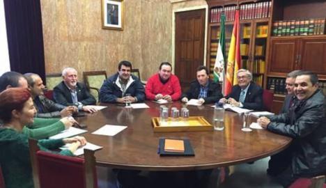 """La Mesa del Agua expone al subdelegado del Gobierno de España la """"extrema situación"""" que existe en la provincia por la falta de agua"""